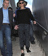 Jennifer Lawrence Arrives at LAX Airport - December 18
