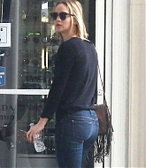 Jennifer Lawrence Out in Los Angeles - January 30