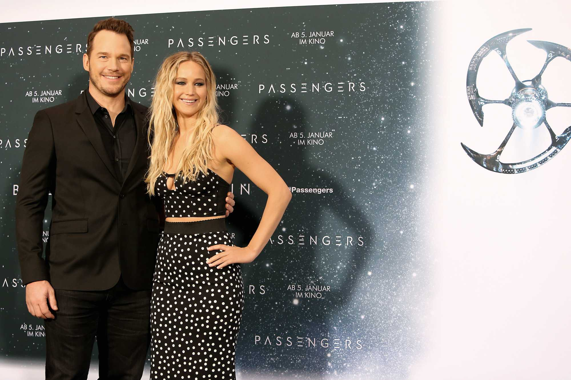 http://jenniferlawrencedaily.com/gallery/albums/Events/2016/Passengers%20Berlin%20Photocall%20Press%20Conference%20-%20December%202/24.jpg