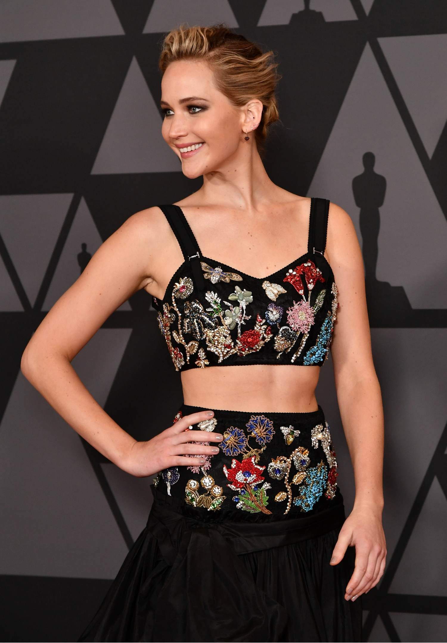 http://jenniferlawrencedaily.com/gallery/albums/userpics/10001/Academy_of_Motion_Picture_Arts_and_Sciences__9th_Annual_Governors_Awards_in_Hollywood-32.jpg