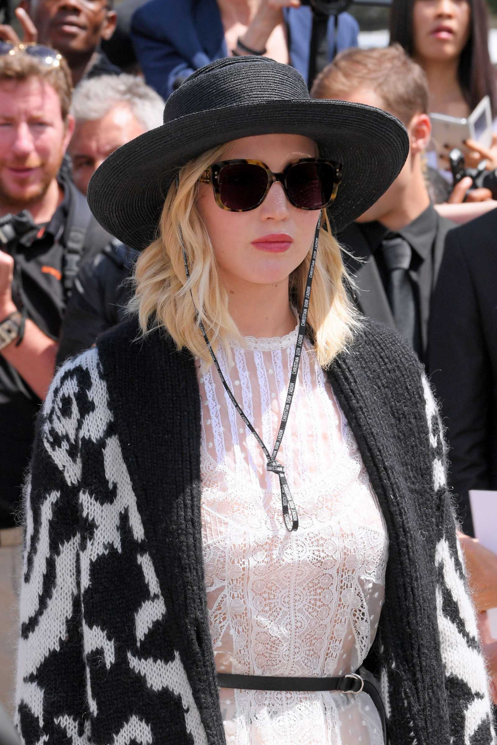 http://jenniferlawrencedaily.com/gallery/albums/userpics/10001/Jennifer_Lawrence_-_Haute_Couture_Fashion_Week_Christian_Dior_Fall_Winter_2017_in_Paris_on_July_3-06.jpg