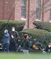 Jennifer_Lawrence_-_On_the_set_of__Don_t_Look_Up__in_Boston_2C_November_302C_2020-04.jpg
